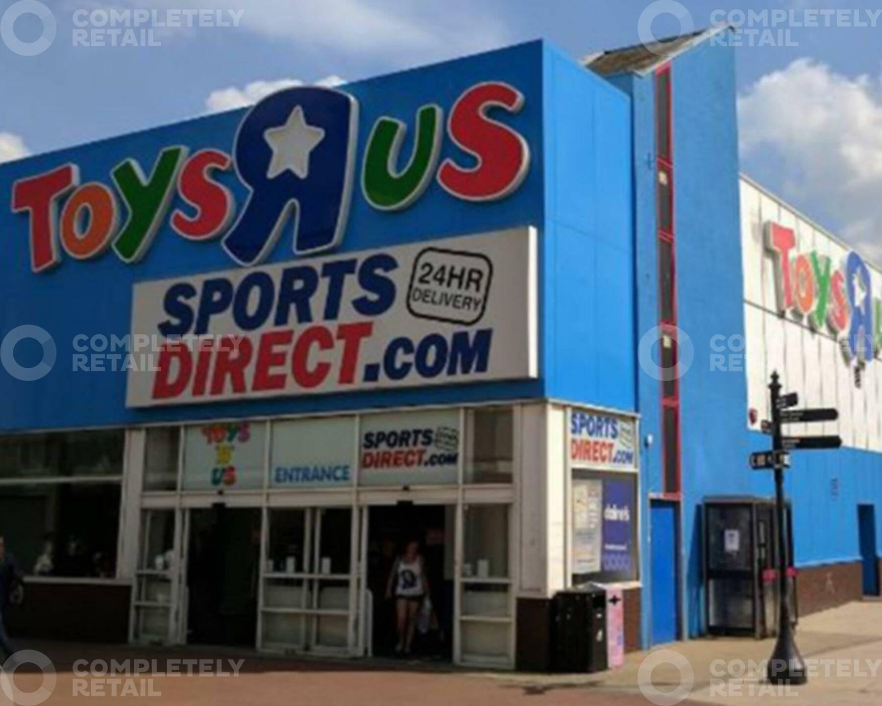 Former Toys R Us