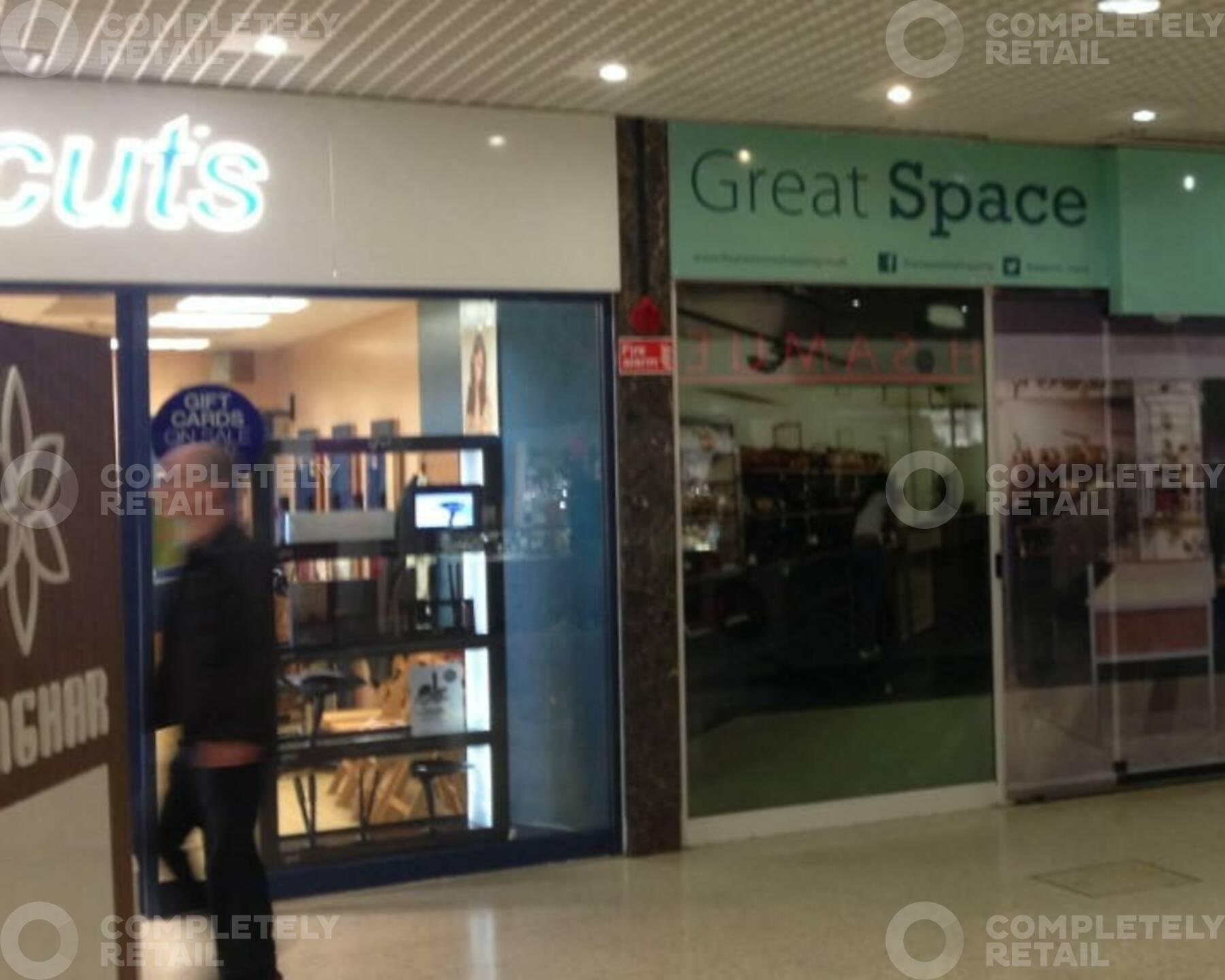 Unit 51, Four Seasons Shopping Centre