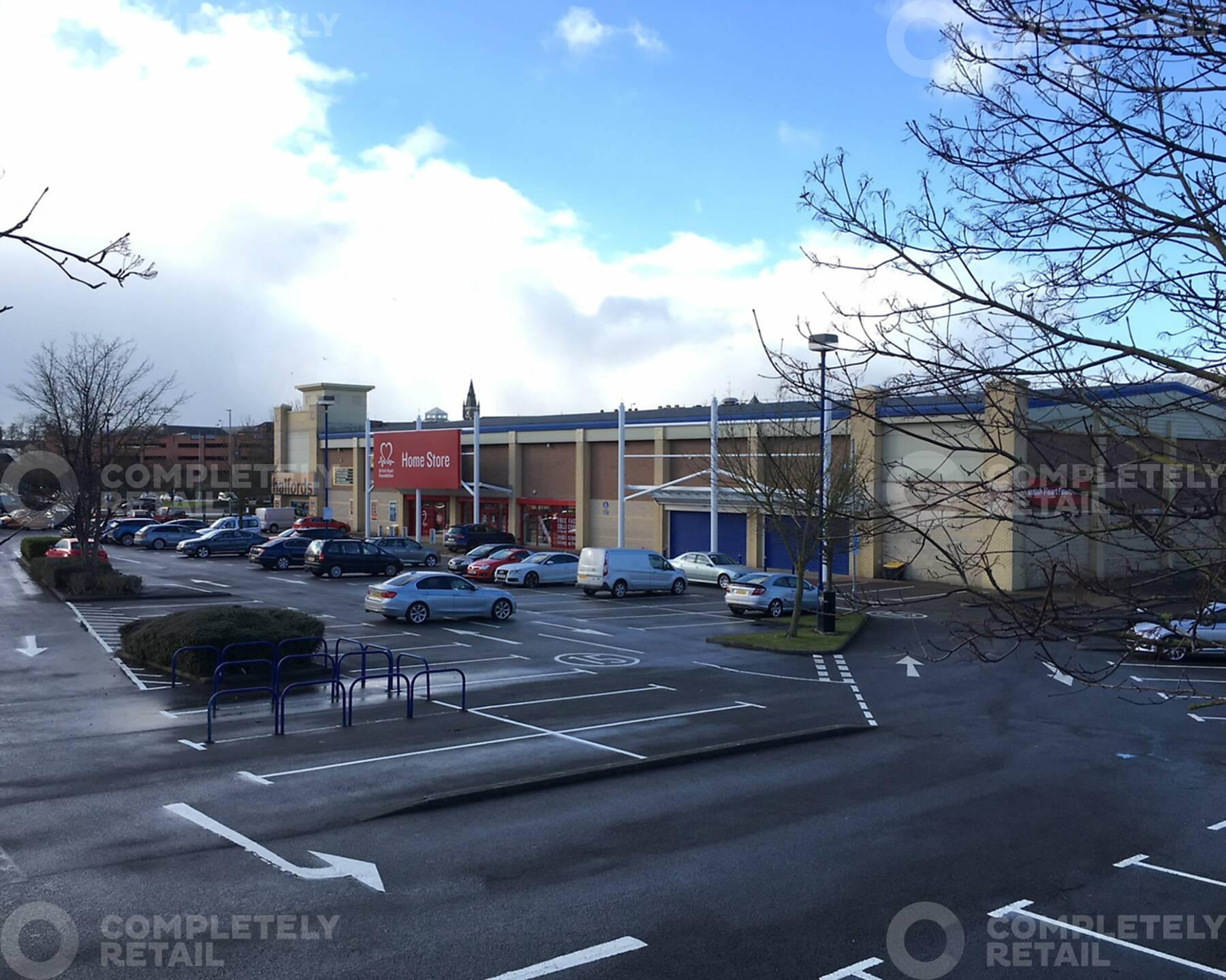 Russell Street Retail Park